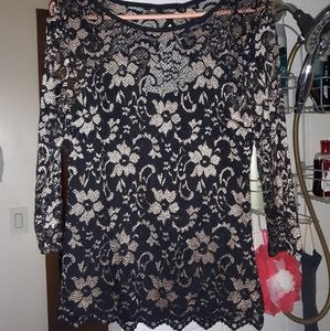 No Boundaries (SIZE LARGE)Gold and Black Top